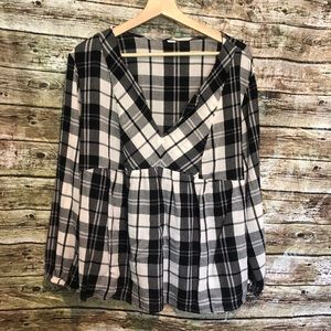 Old Navy Plaid Blouse ✨